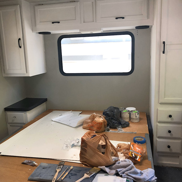 The Easiest Way To Paint Rv Cabinets, Painting Rv Cabinets With Chalk Paint